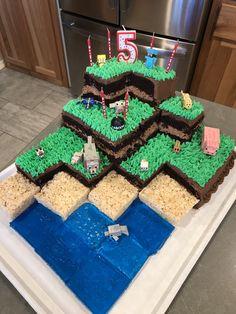 Costco cake turned into Minecraft cake cakes for boys cupcakes Minecraft Cupcakes, Minecraft Birthday Cake, Easy Minecraft Cake, Birthday Fun, Minecraft Party Ideas, Minecraft Garden, Birthday Ideas, Minecraft Room, Minecraft Decorations