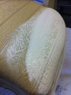Annie Sloan Chalk Paint -  painting on fabric / Furnature Makeover