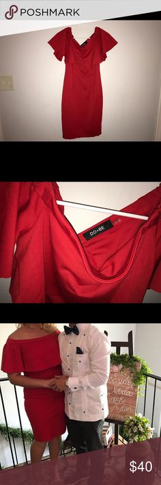 👗 Red boutique off the shoulder dress size Small 👗 Red boutique off the shoulder dress size Small. Used once. Excellent condition. Stretchy material. Fits a size MD perfectly. Boutique Dresses Midi
