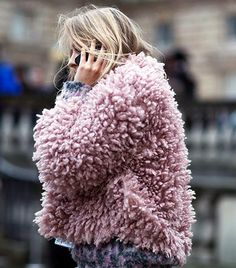 Pink & Fluffy #streetstyle