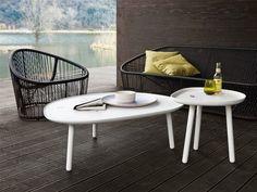 Club, Ninfea e Loto di #Zanotta sono collezioni che richiamano lo stile etnico costituita da un divano e una poltrona disegnata nel 2008 da Prospero Rasulo. #table #outdoor #sidetable