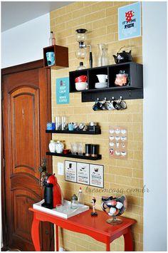 Coffee Bar Ideas - Looking for some coffee bar ideas? Here you'll find home coffee bar, DIY coffee bar, and kitchen coffee station. Coffee Bars In Kitchen, Coffee Bar Home, Coffee Corner, Coffee Shop, Coffee Bar Design, Tea Storage, Design Café, Diy Bar, Cafe Bar