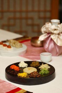 "Korean Traditipnal Food| King's choice. ""Platter of Nine Delicacies (Gujeolpan)""  #구절판 #koreanfood #korea #beautyofkorea #한식 #한국음식"