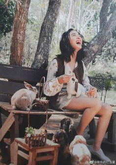 Meteor Garden 2018, A Love So Beautiful, Cute Anime Wallpaper, Korean Drama Movies, Tennis Fashion, Chinese Actress, Aesthetic Grunge, Asian Actors, Best Actress