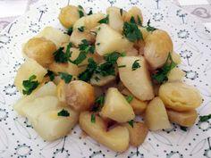Cavolini di Bruxelles in padella con patate - I cavolini di Bruxelles sono l'incubo di tutti. Non mi sono mai piaciuti, o meglio, non ho mai nemmeno avuto il coraggio di assaggiarli fino a che non ho provato i cavolini di Bruxelles in …