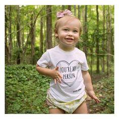 Hey girl, you're my person! ❤️ Available in the shop! • • • • • • #cutekidsclub #igfashion #kidzootd #instagram_kids #trendykiddies #babiesofinstagram #kidzfashion #kidslookbook #kids_stylezz #thechildrenoftheworld #igkiddies #disney #bestfriend #parenthood #mommy #mommylife #mom #momlife #allmommedout #motherhood #mother #gangsta #youremypeesob #graphictee #parenthood #greysanatomy