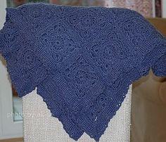 blue granny blanket made 2013 😃 #granny #blankets #grannyblanket #crochet #selfmade #handgemaakt #handgehäkelt #handgemacht #häkelnisttoll #häkelnmachtspass #häkelnistliebe #rosa_und_das_einfache_leben #grannysquares