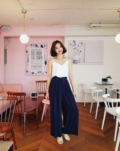 #Dahong(MT) style2017  #summerlook #Heeran Squarepants Outfit, Stylish Outfits, Fashion Outfits, Fashion Trends, Outfit Elegantes, How To Wear Culottes, Vintage Outfits, Vintage Fashion, Minimal Outfit
