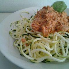 Vegan raw Spaghetti w/dried tomato sauce   Flickr - Fotosharing!