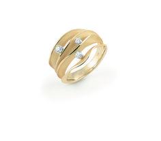 Dune Collection Gold ring with diamonds inspired in the desert dunes // anillo de oro con diamantes inspirado en las dunas del desierto www.art-jeweller.com