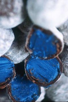 Blue | Blau | Bleu | Azul | Blå | Azul | 蓝色 | Indigo | Color | Form | Texture | FRANCE - MIDI PYRENEES