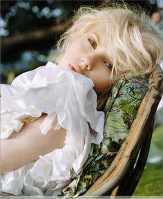 Scarlett Johansson / bangs