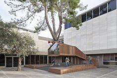 Galería de Patio de Acceso a la Sección Juvenil de Educación Artística / Ifat Finkelman + Deborah Warschawski - 2