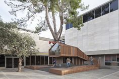 Gallery - The Youth Wing for Art Education Entrance Courtyard / Ifat Finkelman + Deborah Warschawski - 2