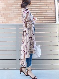 Pin by さささ on ファッションアイデア in 2020 Long Skirt Fashion, Fashion Pants, Girl Fashion, Fashion Looks, Fashion Outfits, Womens Fashion, Fashion Design, Korean Fashion Summer, Korean Fashion Trends