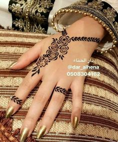 Hena – Source by Please send us the posts you want removed. Henna Tattoo Designs Simple, Rose Mehndi Designs, Finger Henna Designs, Henna Art Designs, Mehndi Design Photos, Wedding Mehndi Designs, Unique Mehndi Designs, Mehndi Designs For Fingers, Beautiful Mehndi Design