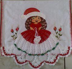 meninha linda, feita com material 100% algodão    Ótima para presentear e enfeitar sua casa Crochet Dolls, Crochet Clothes, Knit Crochet, Crochet Hats, Sunbonnet Sue, Crochet Kitchen, Crochet Pillow, Crochet Squares, Yarn Needle