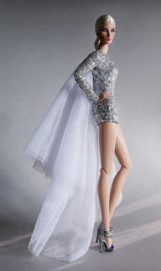 Fashion Royalty / Intrigue Elise | Fashion Doll