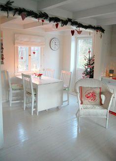 Emmelines blogg: Det året da julen varte helt til kvinnedagen!