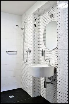 Holiday Resort Hapimag Tonda Italy  #bauzeitarchitekten #resort #hotel #renovation #interior #bathroom #swiss #architecture Holiday Resort, Italy, Mirror, Bathroom, Architecture, Interior, Furniture, Home Decor, Washroom