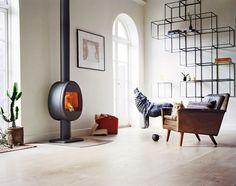 Scan 66 houthaard met voet en groot vuurbeeld