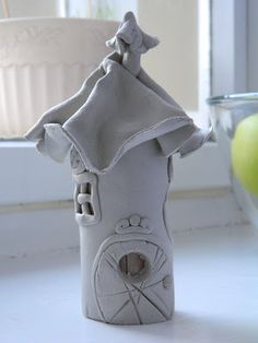 air dry clay fairy houses to make - AOL Image Search Results Clay Houses, Ceramic Houses, Ceramic Clay, Ceramics Projects, Clay Projects, Clay Crafts, Clay Fairy House, Fairy Houses, Paper Clay