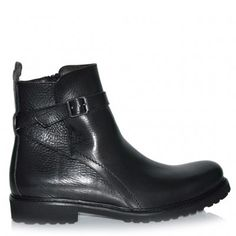 Ankle boots made from leather http://www.fratinardi.it/brands/shoes/calpierre-14106/calpierre-14118.html