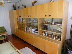 Így nézett ki a nappalink a Kádár-korszakban   Nosalty Childhood Memories, Liquor Cabinet, Cool Stuff, Storage, Furniture, Vintage, Grand Budapest, Home Decor, Poland