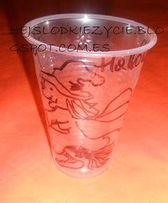 Vasos de plastico decoraos para Halloween:)