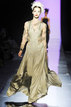 Jean Paul Gaultier HC Fall 2011 - inspired by Roman woman in under tunic, stola, and palla