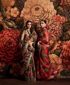Hand Printed Organza Saris with Vintage Brocade Sari Borde rs. Saris, Indian Attire, Indian Wear, India Fashion, Asian Fashion, Ethnic Fashion, Oriental Fashion, Tokyo Fashion, Women's Fashion