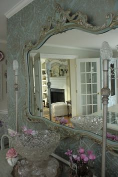 OH, this mirror!