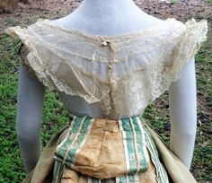 Back of Organdy/Valenciennes lace waist c.1866-7
