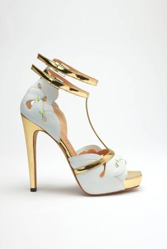 Aperlai gold and light blue high heels
