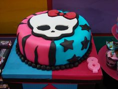 Cake at a Monster High Party #monsterhigh #partycake