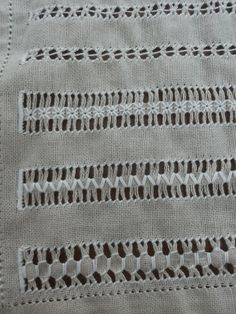 Drawn Thread, Embroidery, Blanket, Knitting, Crochet, Hand Embroidery Designs, Face Towel, Bullion Embroidery, Embroidery Ideas