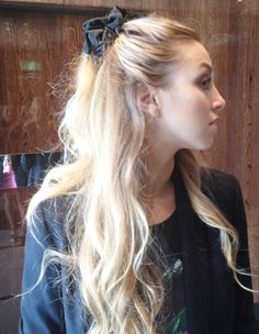 Follow Whitney's lead and rock a 90's scrunchie with our handy tips