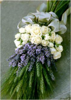 Get inspired: @MODwedding's Bountiful and Beautiful Bridal Bouquet picks! #wedding #WW