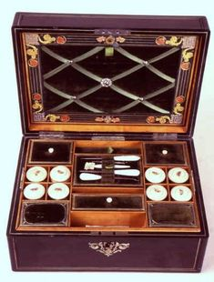 Different Types of Antique Boxes » English Classics