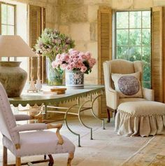 Shutters: Charming French living room | Pam Pierce Designs   ᘡղbᘠ