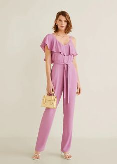 Latest trends in women's one piece suits. New models every week: dressy, long, short and double-breasted one piece suits. Long Jumpsuits, Playsuits, Jumpsuits For Women, Mono Mango, Overall Lang, Mango Outlet, Indian Designer Outfits, Asymmetrical Design, One Piece Suit