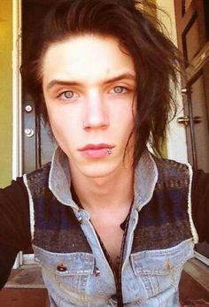 Andy biersack love him and his ideas not so much his music