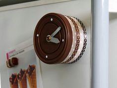 Orologio realizzato con una scatoletta di alluminio #RicicloCreativo  SEGUICI SU: www.facebook.com/CreoEco www.pinterest.com/CreoEco