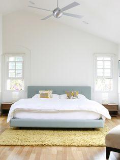 chambre minimaliste et très lumineuse