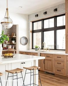 Home Decor Kitchen, Interior Design Kitchen, Kitchen Dining, Decorating Kitchen, Interior Modern, Coastal Interior, Kitchen Furniture, Interior Ideas, Wood Furniture