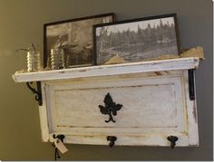 Old cabinet doors repurposed Cabinet Door Crafts, Diy Cabinet Doors, Cupboard Doors, Cabinet Stain, Repurposed Furniture, Diy Furniture, Repurposed Doors, Old Wood Projects, Diy Projects