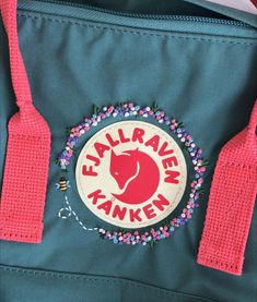 Embroidery On Clothes, Cute Embroidery, Embroidery Stitches, Embroidery Patterns, Sewing Patterns, Diy Embroidery Designs, Mochila Kanken, Embroidered Bag, Embroidery For Beginners