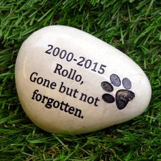 Engraved Pet Memorial Stone by SnobsGifts on Etsy