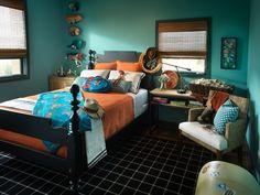 сочетание бирюзового и оранжевого в спальне