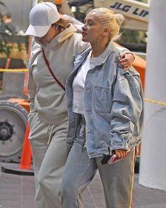 xtina at LAX airport on Wednesday. Photo Makeup, Fresh Face, Entourage, Christina Aguilera, Celebrity Photos, Makeup Looks, Rain Jacket, Windbreaker, Denim